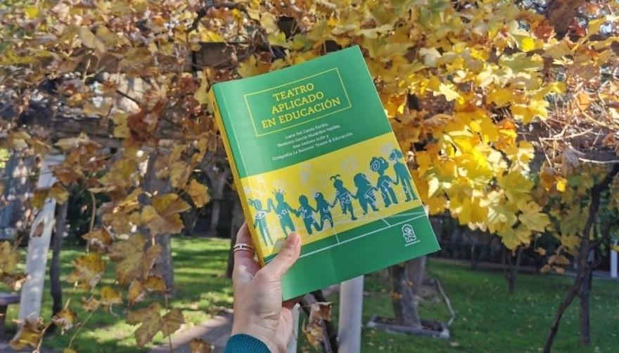 """""""Teatro Aplicado en Educación"""": un libro pionero"""